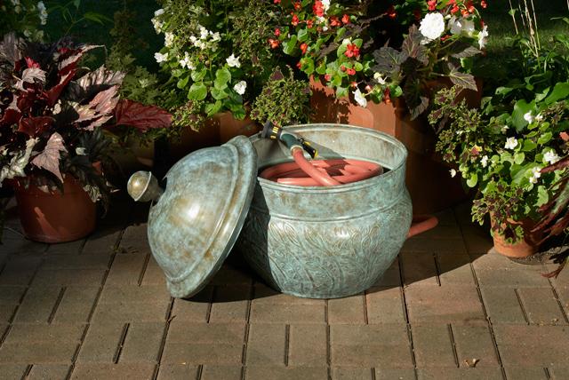 457B_Key-West-Hose-Pot_Brass_Glam-4